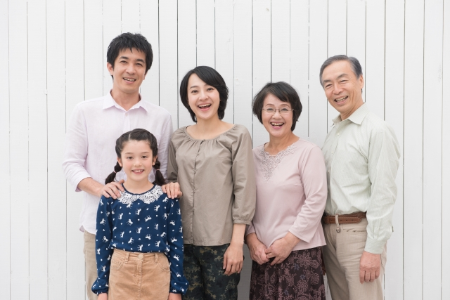 両親や兄弟姉妹の親族訪問ビザの延長・更新 - 引き続き日本に居てもらうための方法